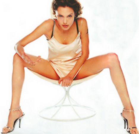 Jolie'nin şok pozları - 28